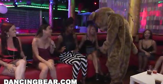 DANCING BEAR castigo-mortificación J-Mac and Sean Lawless Sling Dick At A Wild Party